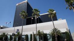 Catalina-at-Hilton-Los-Angeles-Airport (1)