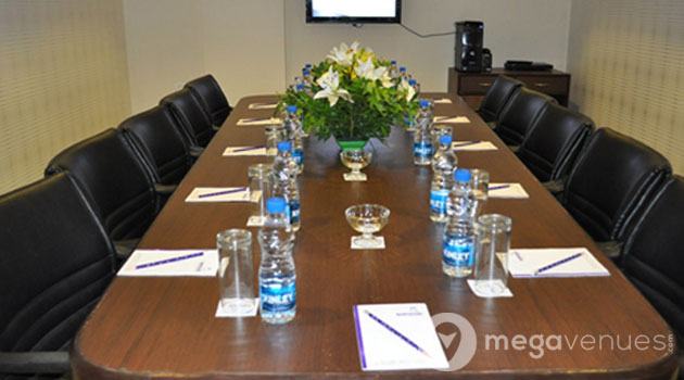 Boardroom-at-The-Queeny