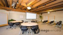 Seminar-in-The-Learning-Studio-at-Impact-Hub-Seattle