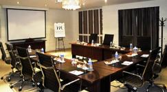 boardroom-at-grand-mercure
