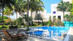 Pool-Side-at-Hotel-Evoma