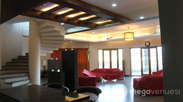 Lake Facing Fully Furnished Luxurious Villa With Jacuzzi And Pool Table In Khadakwasla