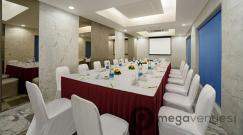 Private Dining Room - Hotel Radha Regent