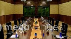 rsz_board_room_at_royalton_hotel