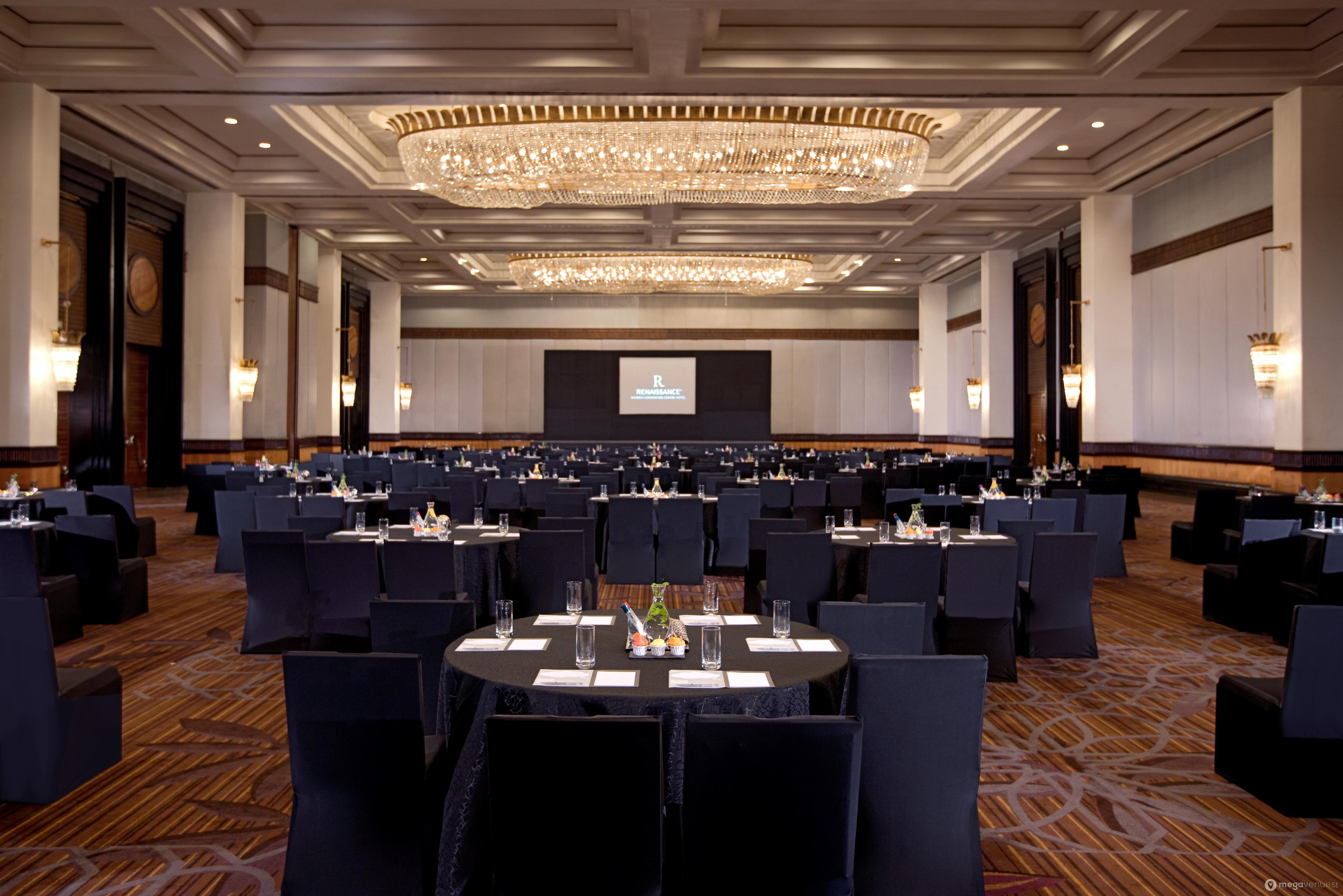 Grand Ballroom- Round Table Seating  (1).jpg