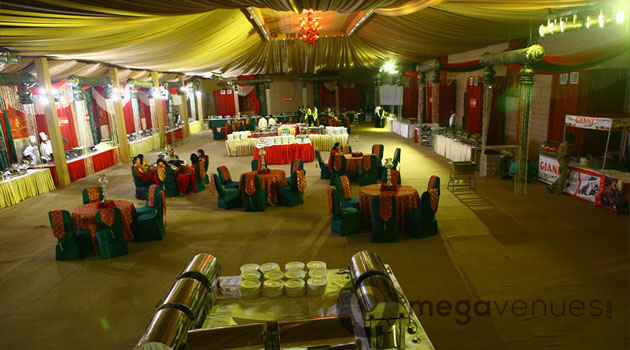 Engagement at Mapple Exotica