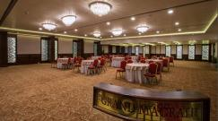 the-grand-ballroom-at-the-grand-magrath-hotel